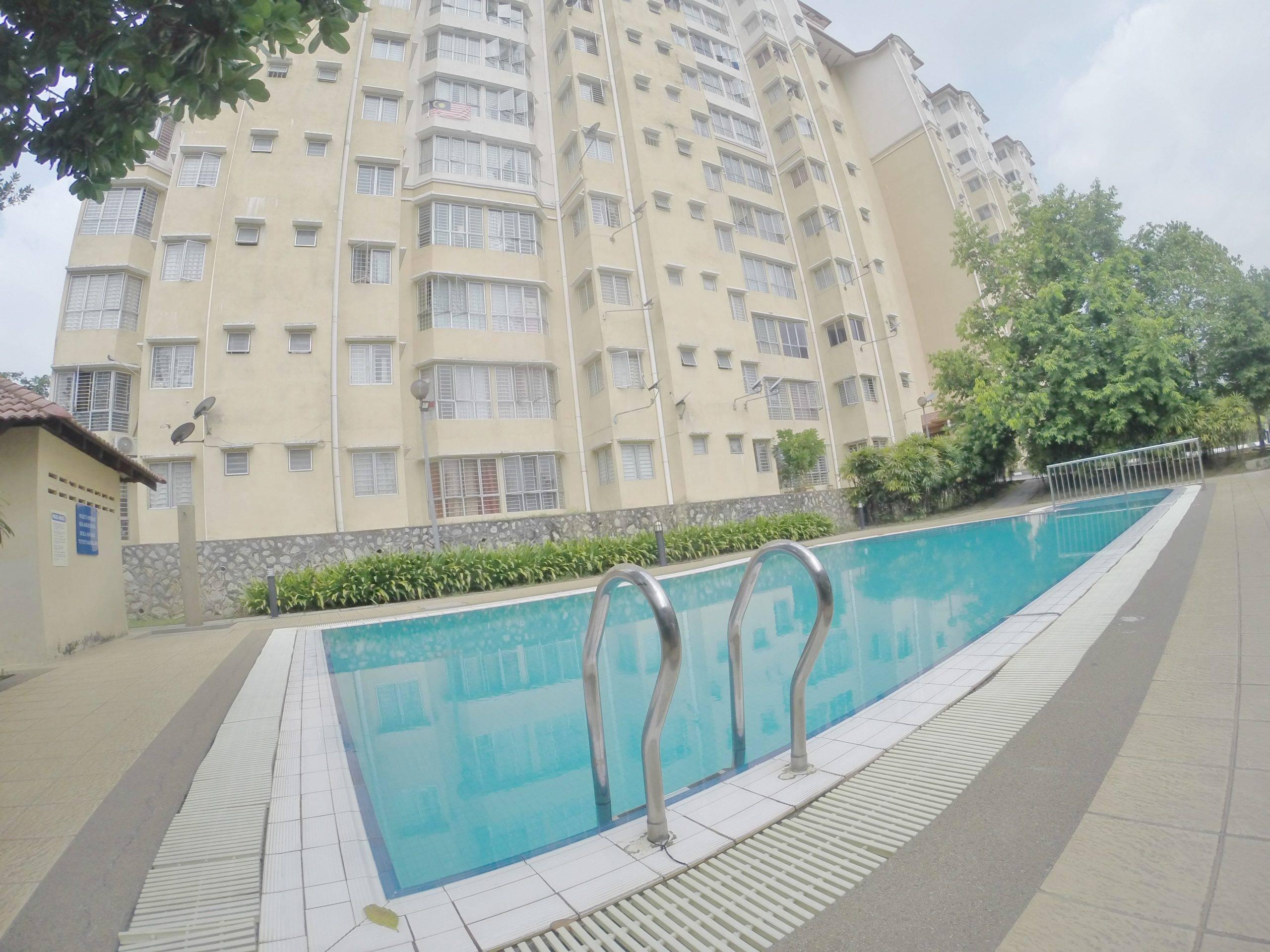 Merak Apartment, Bandar Kinrara, Puchong [FREEHOLD/NON-BUMI/NEGO]